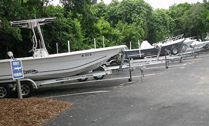 Boats & Tarilers